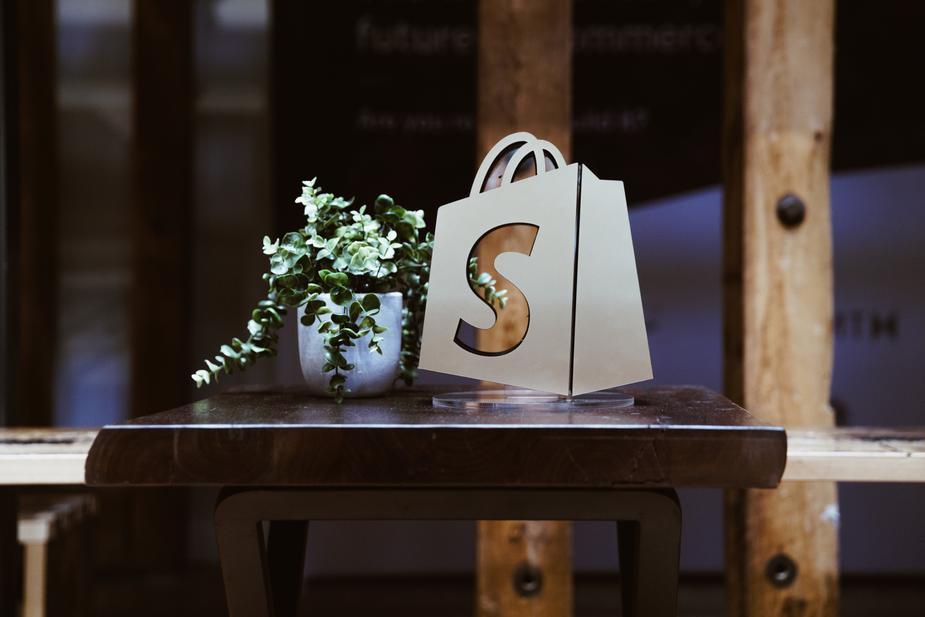 Start selling on Shopify